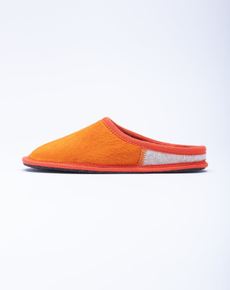 Le clare women's orange calf hair slipper