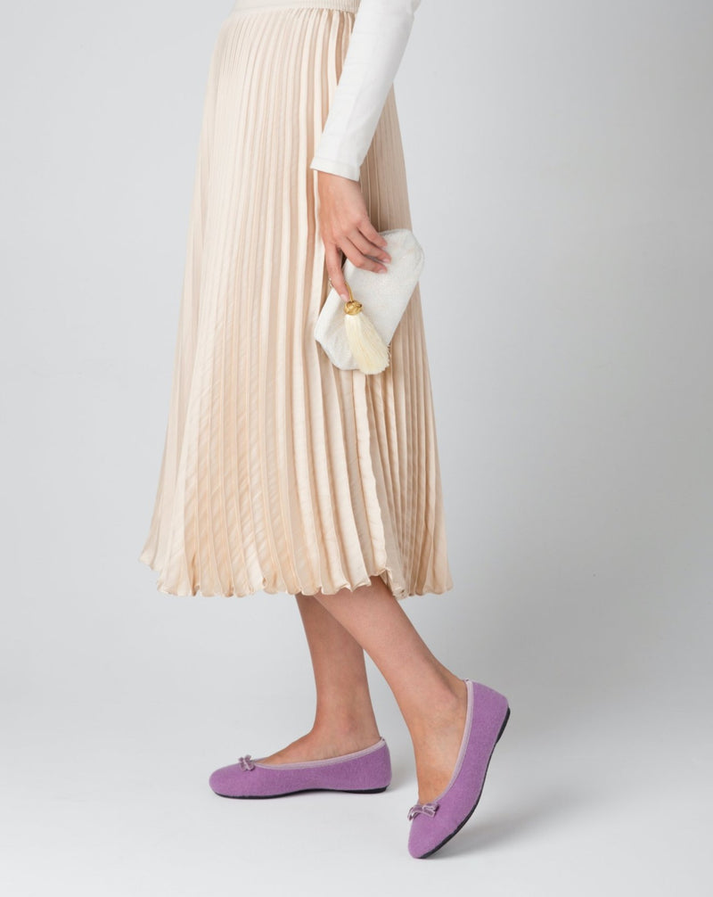 Woman wearing Le Clare Lilac Ballet Flat Slipper