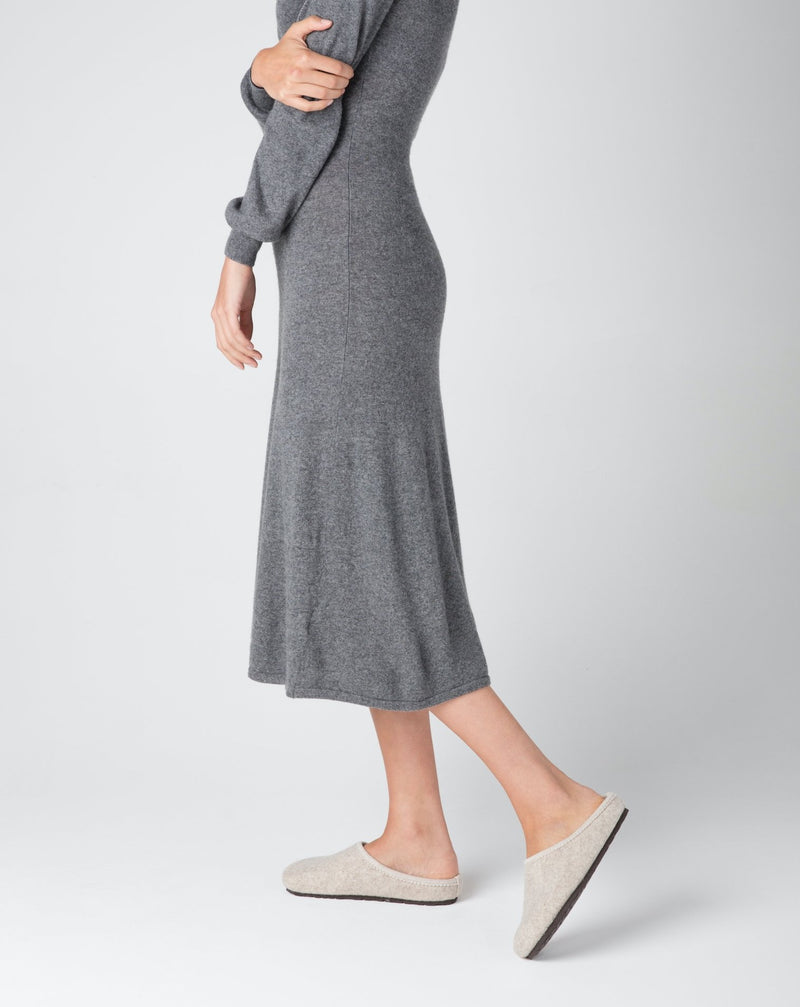 model wearing beige le clare nebraska wool felt clog shoe