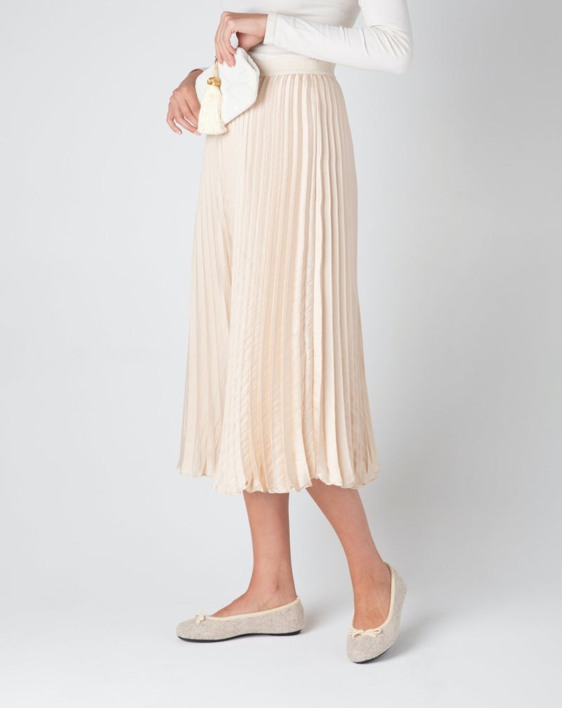 Women wearing beige le clare wool ballet flat house slipper
