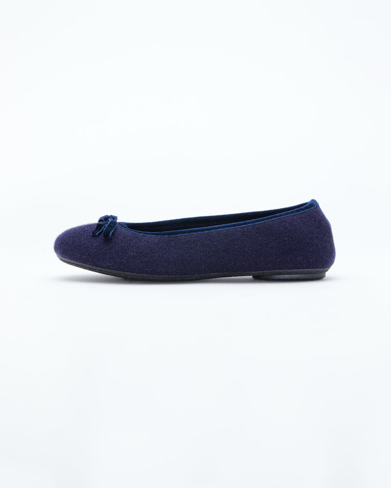 Le Clare women's ballet flat slipper in navy