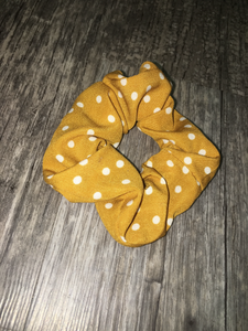 Scrunchie(Yellow Polka Dot)