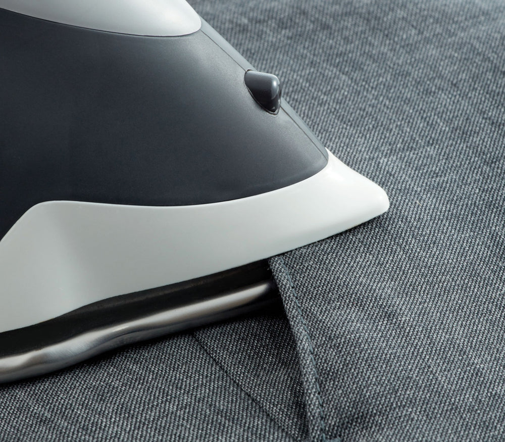OLISO® TG1100 SMART IRON (GRAY)