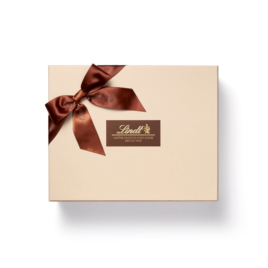 Lindt LINDOR Assorted Chocolate Truffles Box, 182 Count, 2262g (Delivery Only)