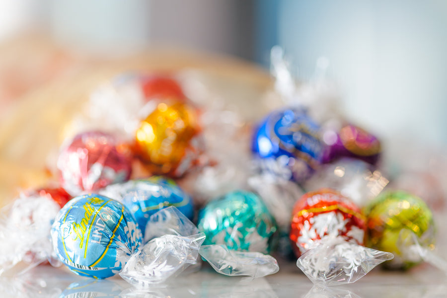 Lindt LINDOR Assorted Truffles*, 100 count 1200g  (Store Pick-Up Only)
