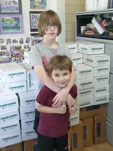 Giacomazzi Brothers donate 40,000 servings of Almonds to needy children in the south valley