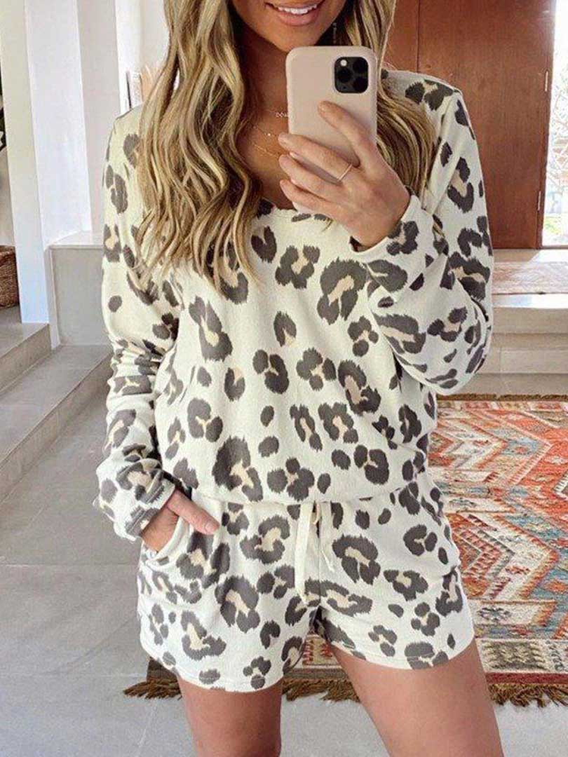 Casual Style Long Sleeve Leopard Printed Pajama Top
