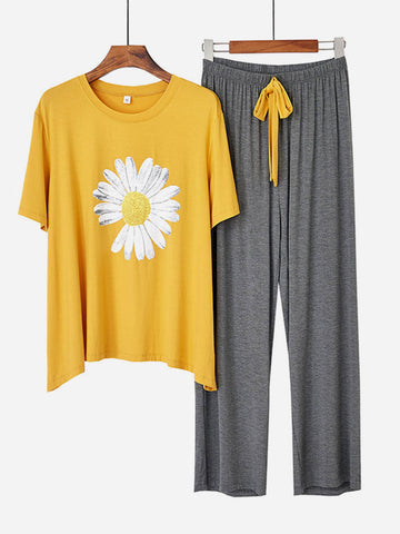 Big Size Hit Color Daisy Printed Pajama Set