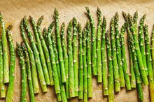 Load image into Gallery viewer, asparagus - 1 Bunch