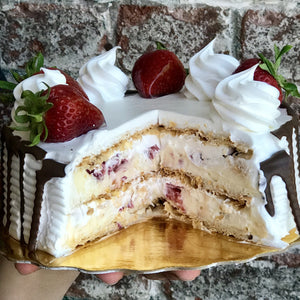 Sfoglia with Fresh Strawberries - Round Cake