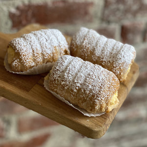 Sfoglia Cannoli with Vanilla Custard Cream
