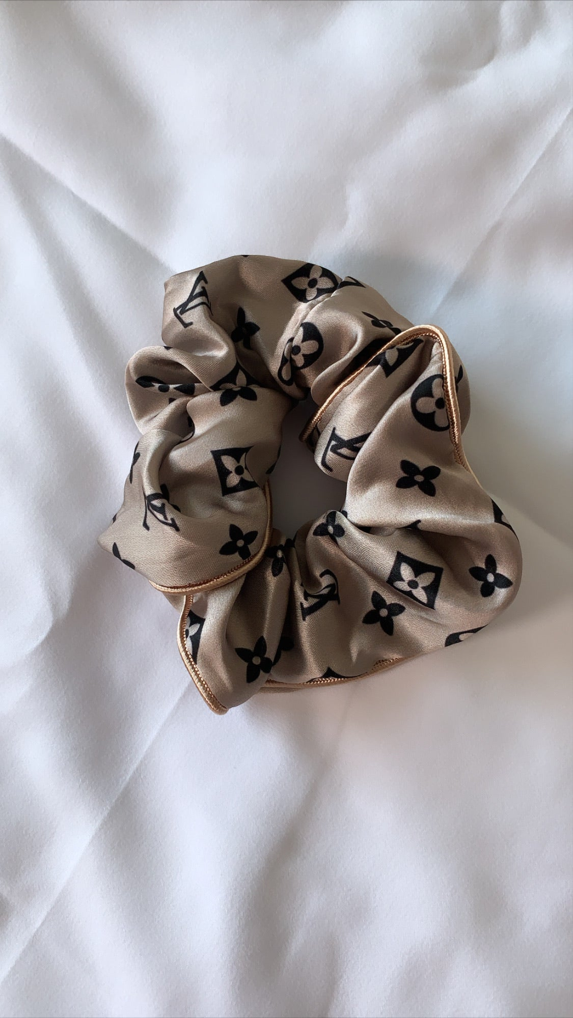 Luxury Inspired Scrunchie (beige)