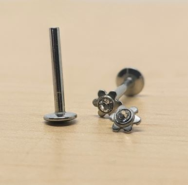 316L 16G Internally threaded labret (ILBJ5)