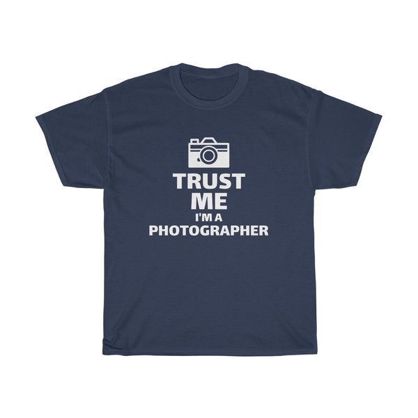 Trust Me, I'm A Photographer (T-Shirt) - Confident Camera
