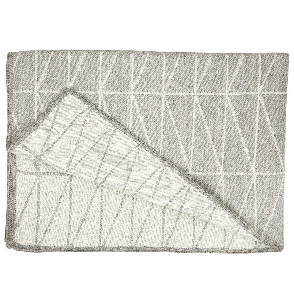 Geo Throw - Grey/White