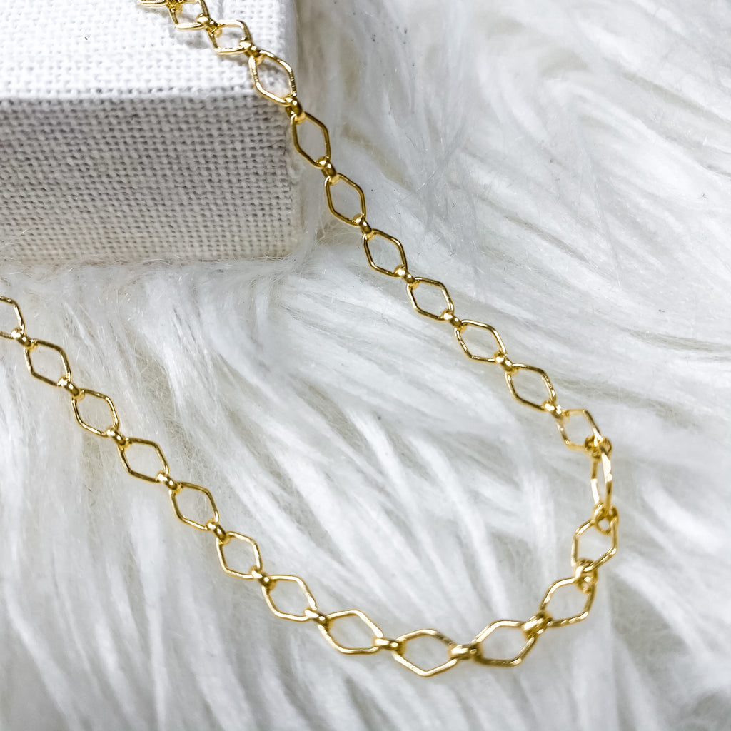 Vita Chain Necklace