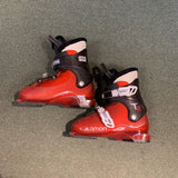 21.5 Salomon T2 Ski Boots Red/Black