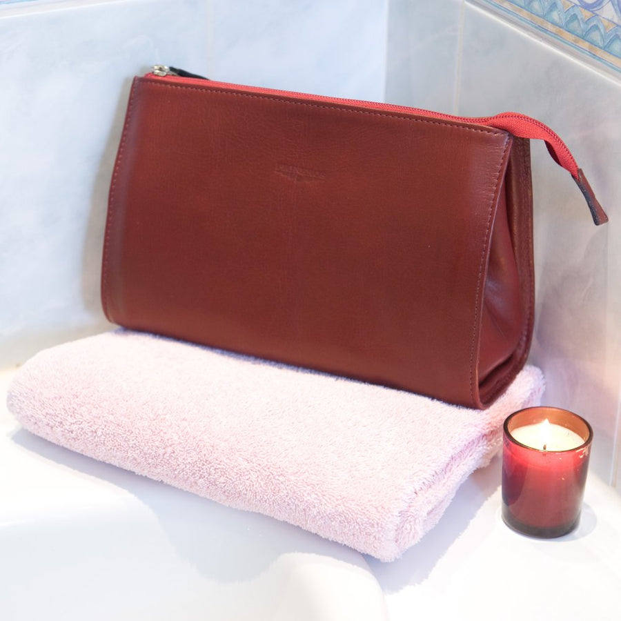 Travel Washbag - Red