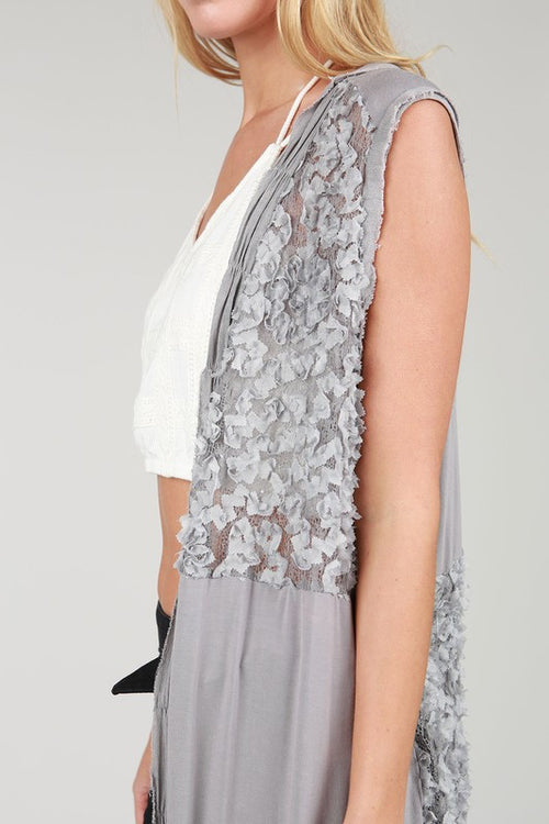 Lace Sleeveless Kimono Open Cardigan in Gray
