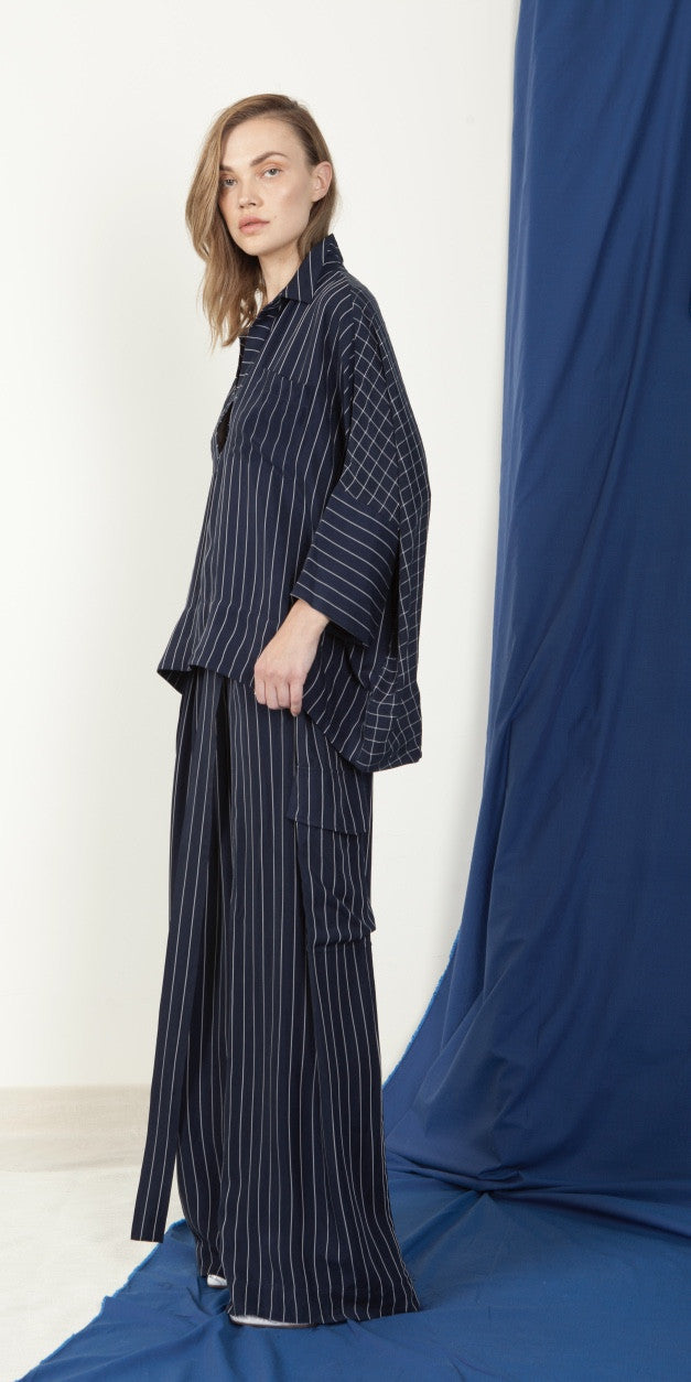 Néhmo High-Low Shirt in Stripe