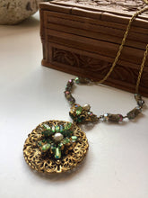 Load image into Gallery viewer, Vintage Necklace