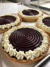 Load image into Gallery viewer, Large tarts and Special French Cakes