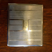 Load image into Gallery viewer, Vintage Cigarette Case