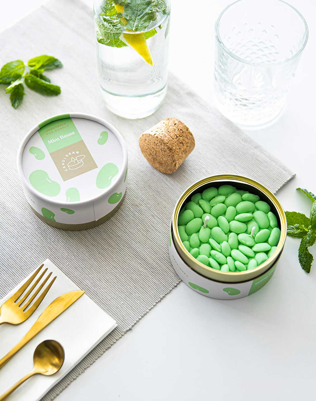 Bougie Mint Beans Candle Can mise en situation
