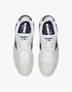 Baskets Diadora Game L Low Waxed bleu marine et blanc vu du haut