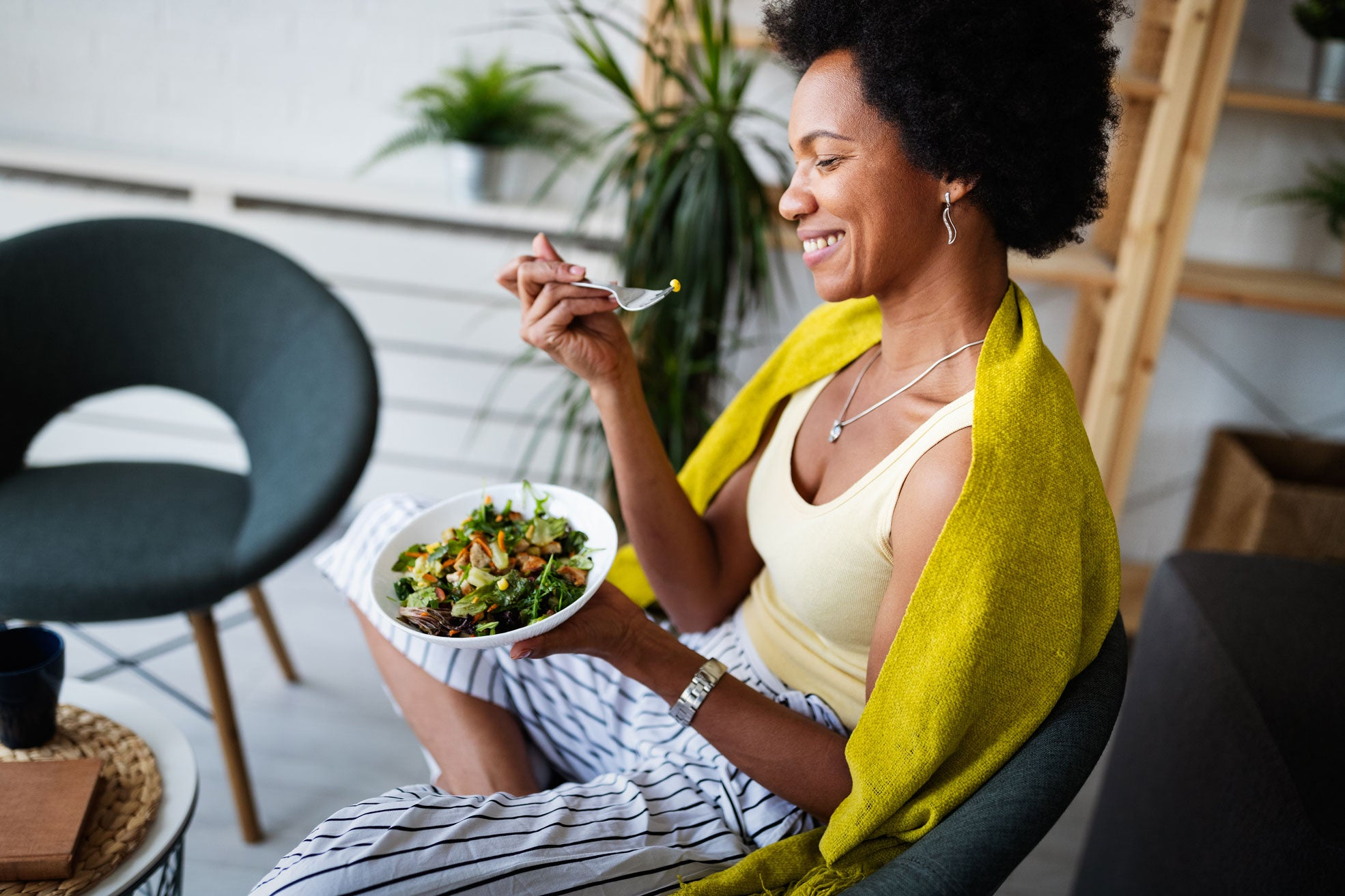 woman eating high vibration foods