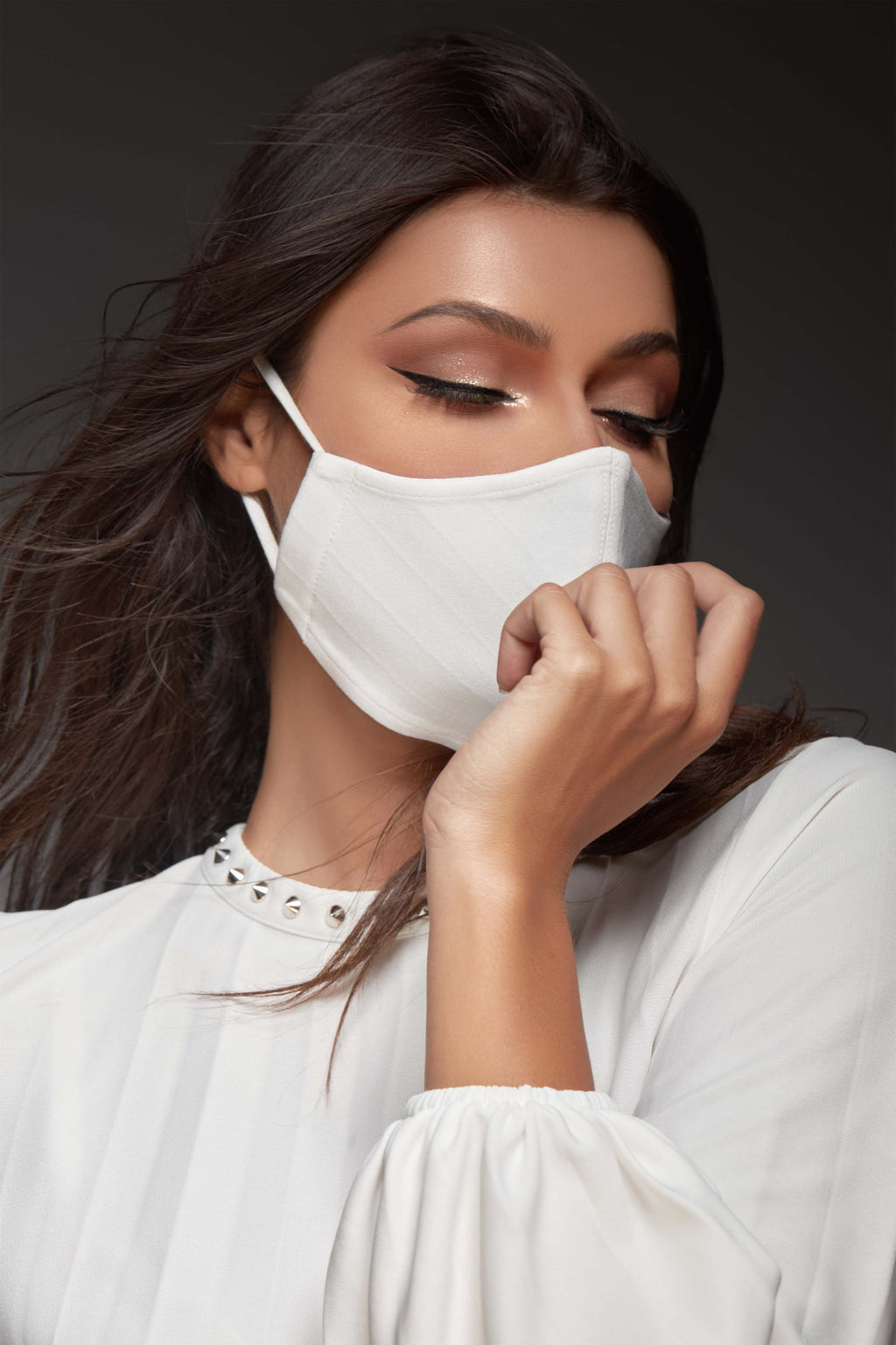 OFFWHITE COTTON ANTI-DUST FACE MASK.