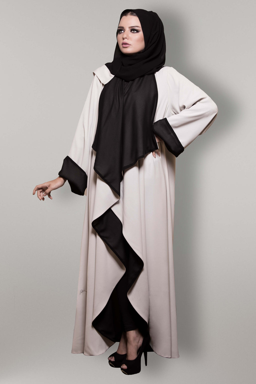 BEIGE BLACK COLLAR CREPE OPEN ABAYA