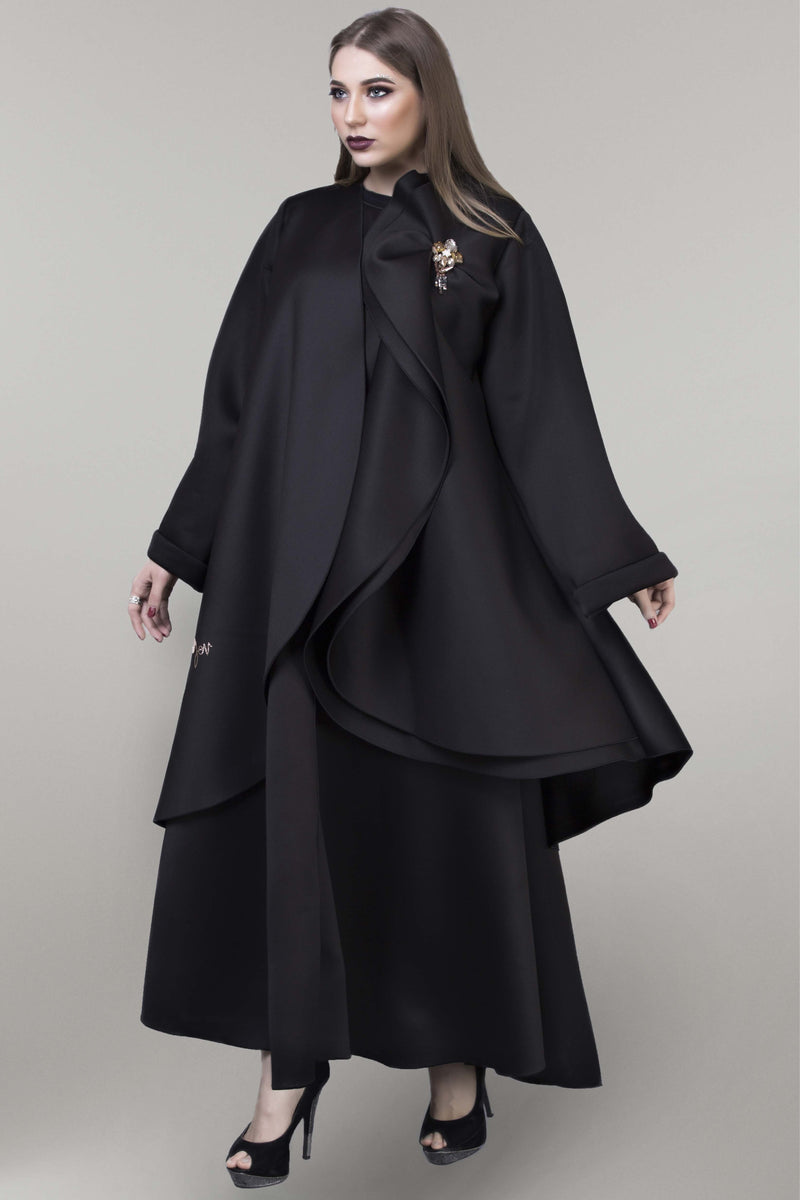 BLACK DOUBLE LAYERED FOAM FABRIC ABAYA.