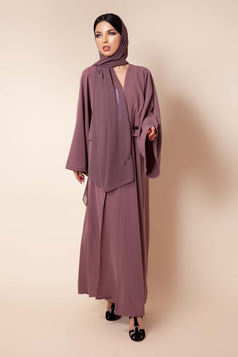 OLD ROSE BUTTON PLEATED CREPE ABAYA.
