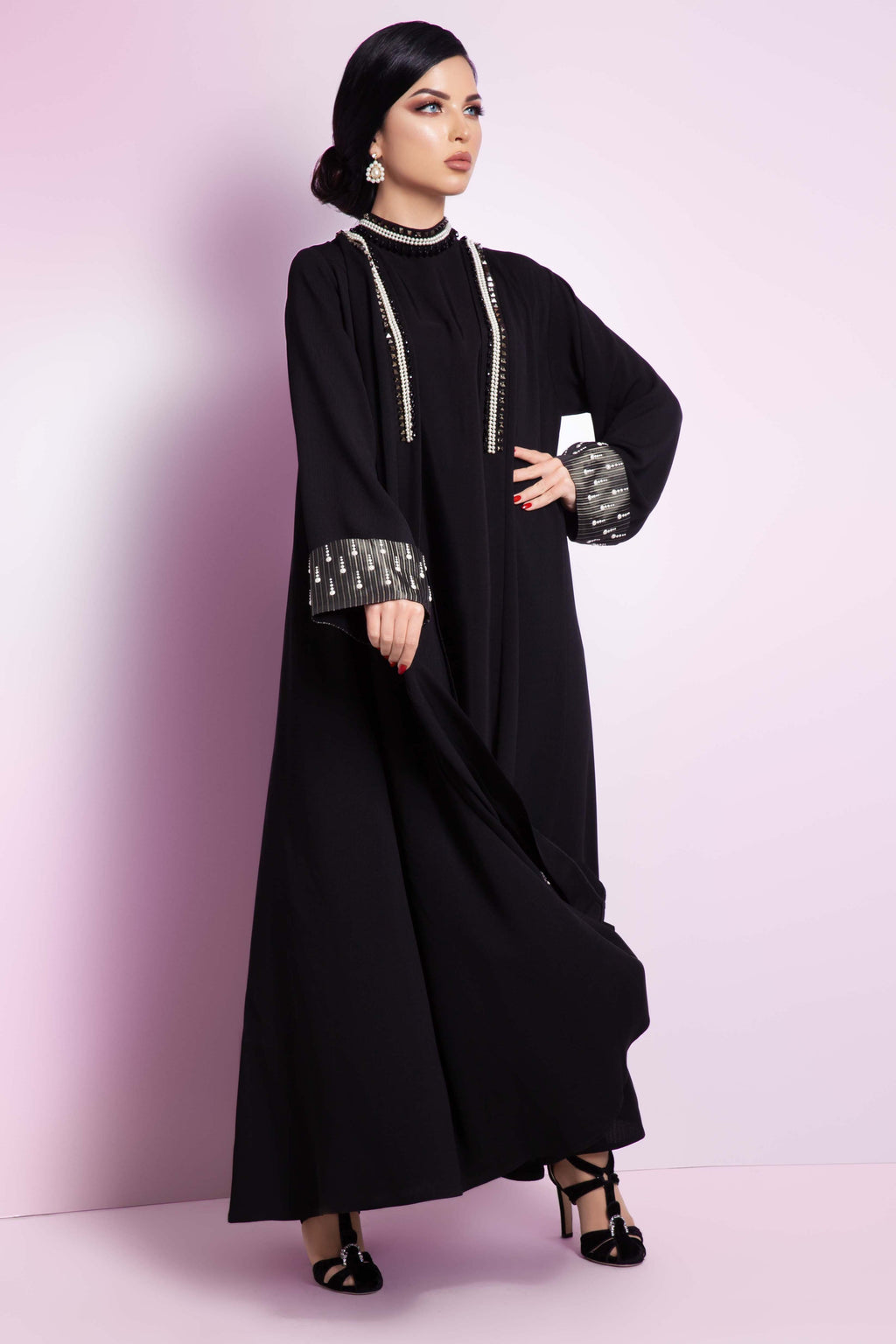 BLACK SWAROVSKI CRYSTALIZED SOALON ABAYA.