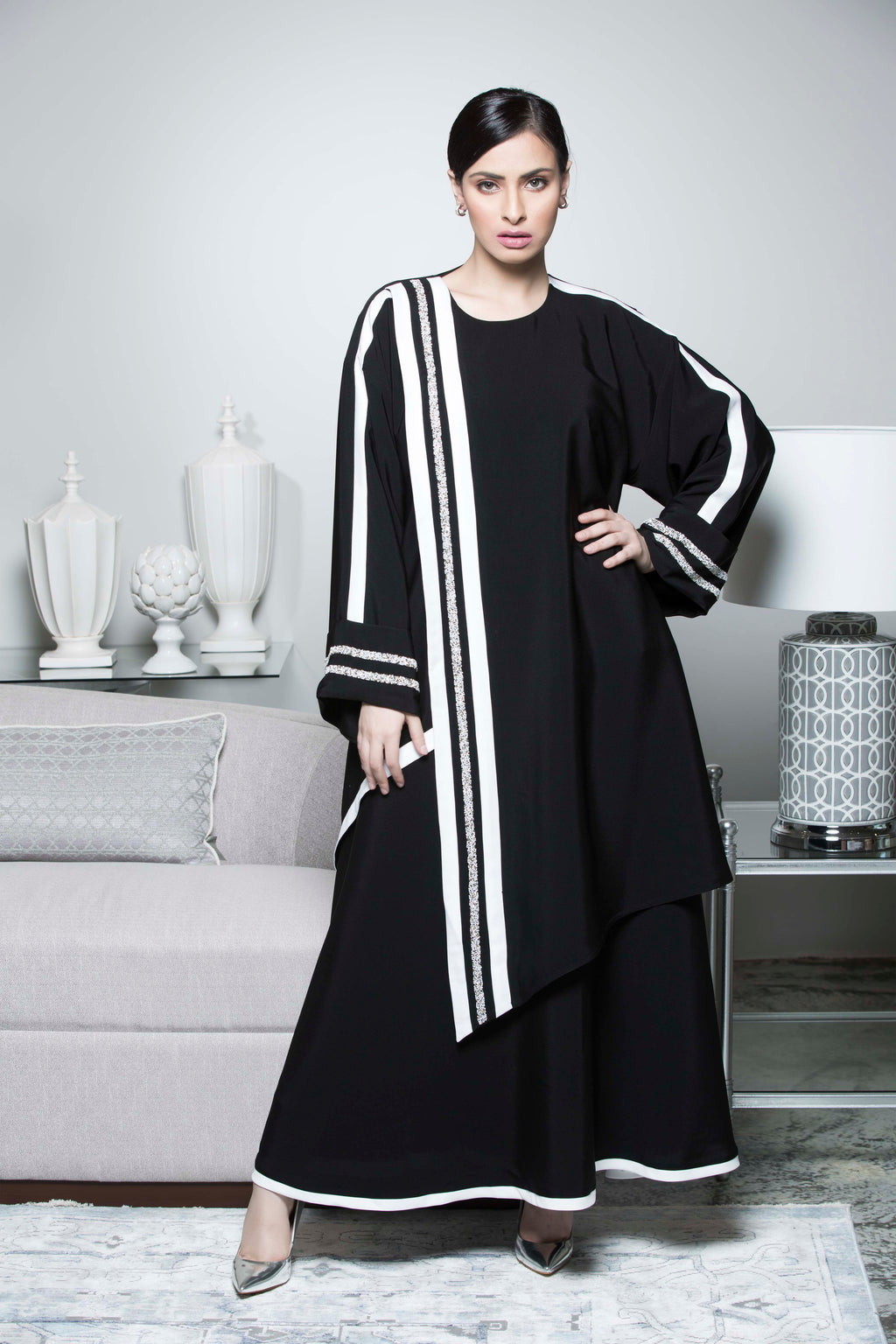 BLACK HAND EMBROIDERED SPORT SOALON ABAYA.
