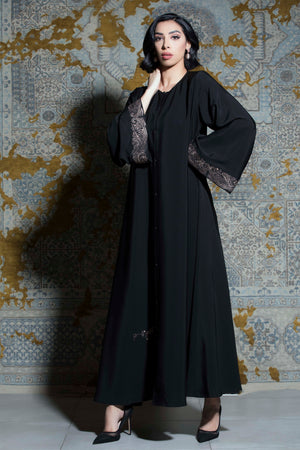BLACK CUFF EMBROIDERED SOALON ABAYA.