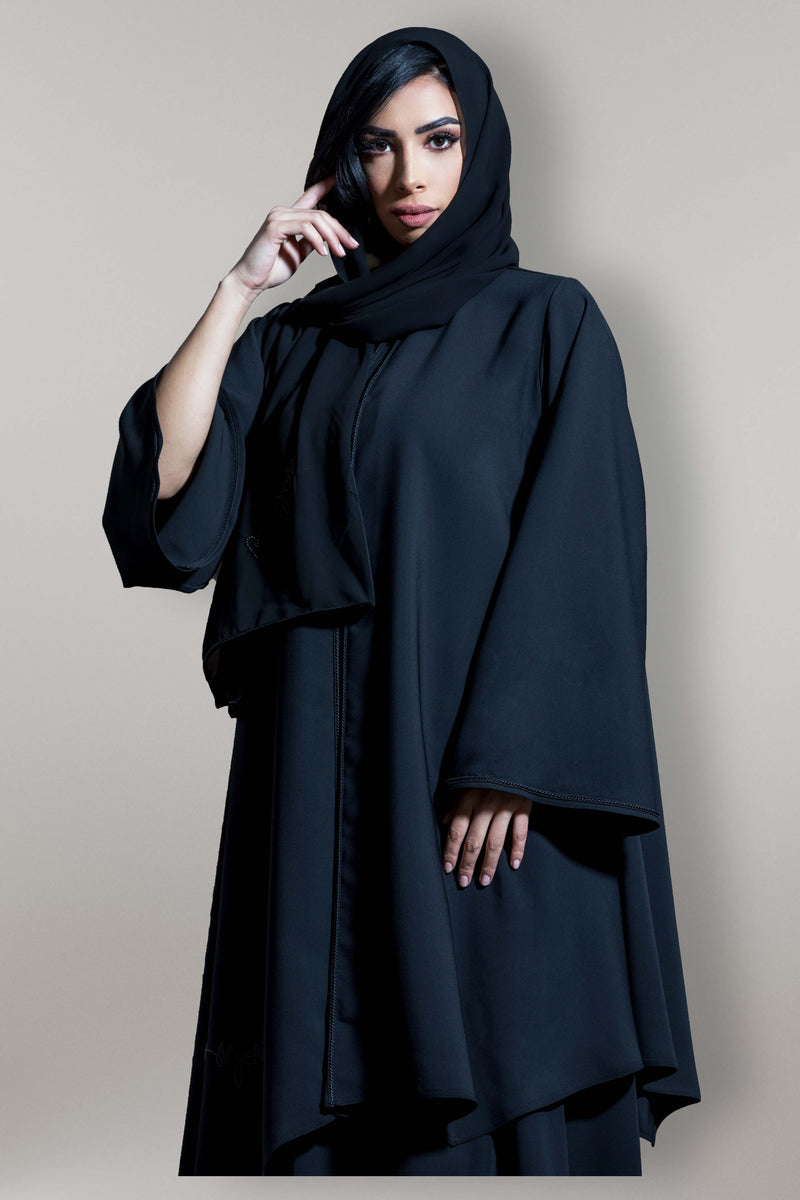 BLACK HAND EMBROIDERED PIPING SOALON ABAYA.