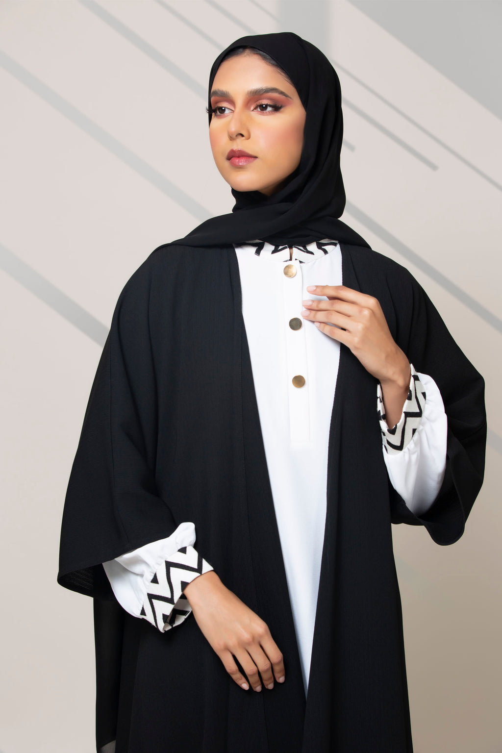 BLACK COLLARED BUTTONED WITH INNER ABAYA