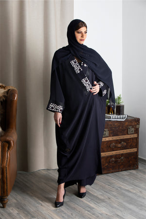 NAVY BLUE EMBROIDERED CREPE ABAYA.