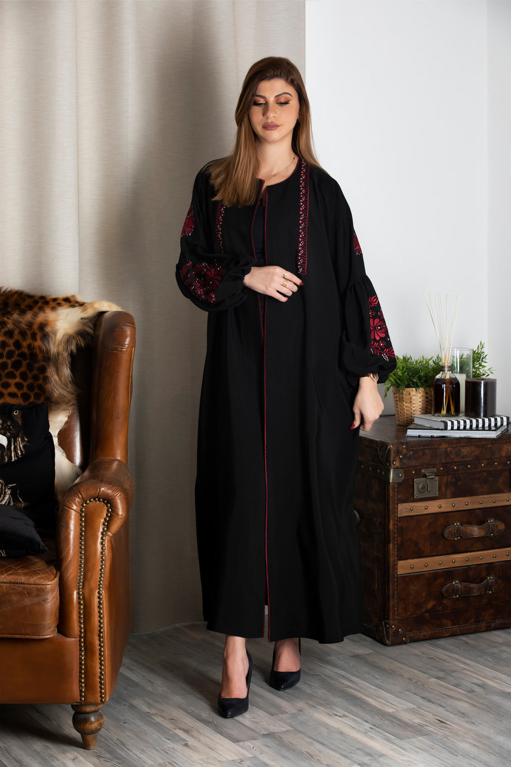 BLACK EMBROIDERED PUFF SLEEVE SALOAN ABAYA.