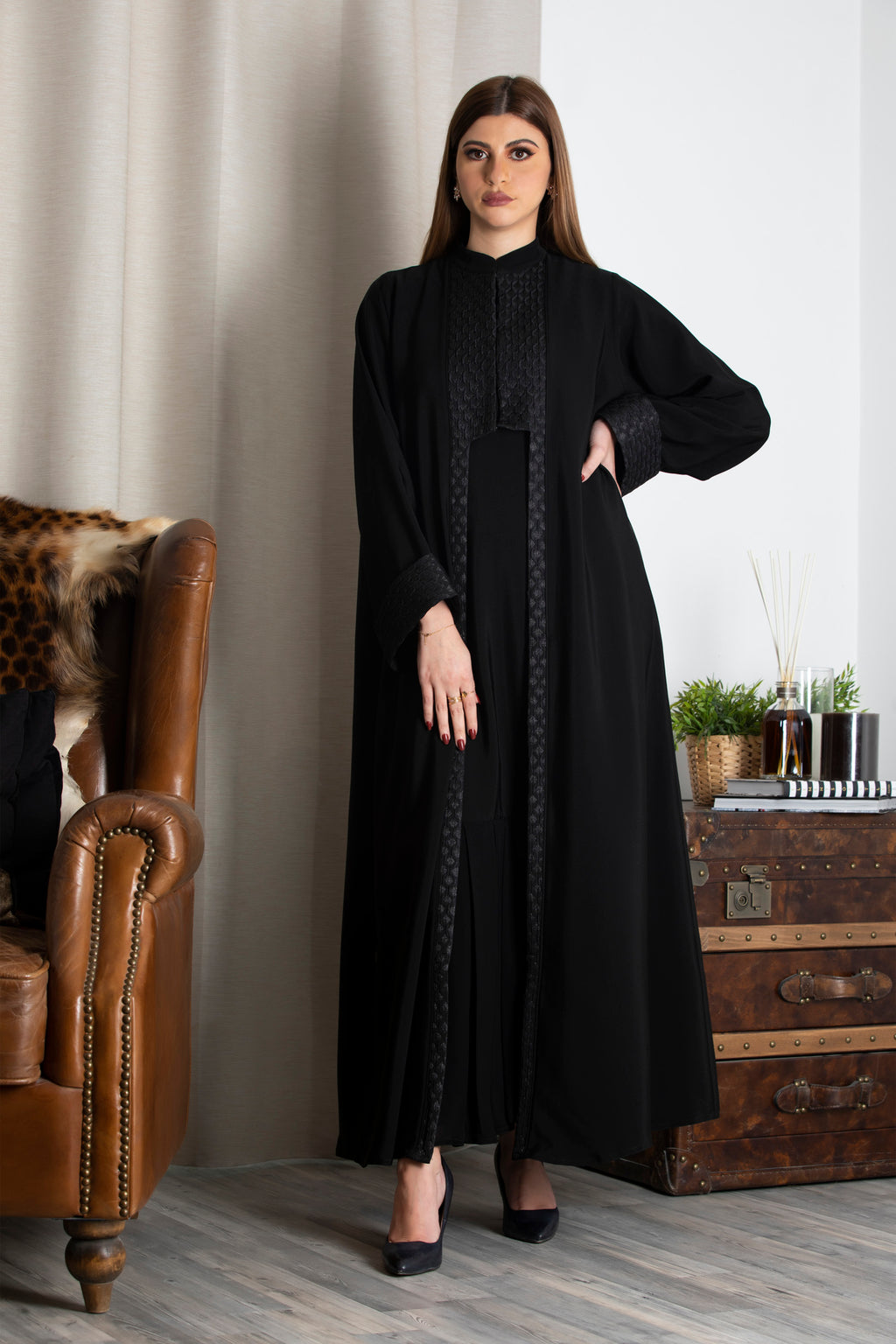 BLACK FRENCH JACQUARD PLEATED INNER ABAYA.