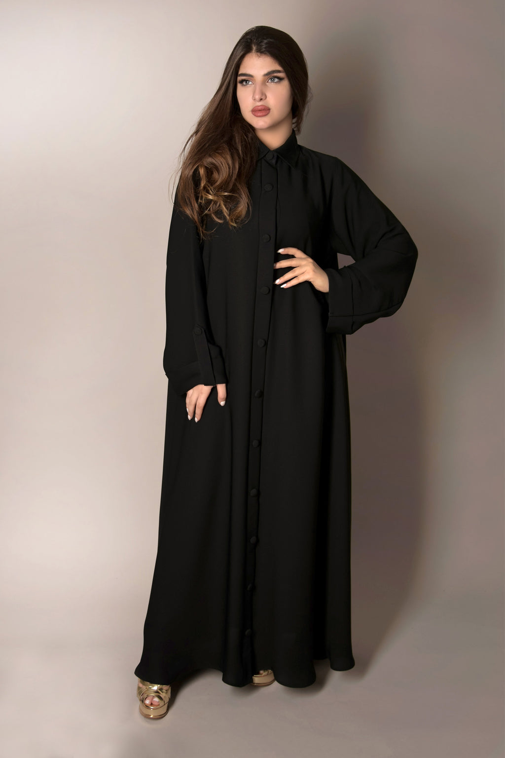 BLACK COLLARED BUTTONED STYLE PLAIN ABAYA.