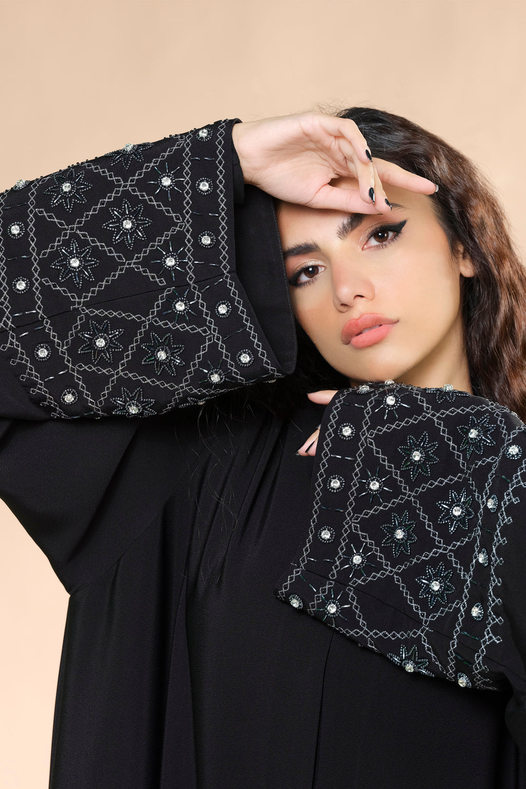 BLACK HAND EMBROIDERED CRSTALAIZED SOALON ABAYA.