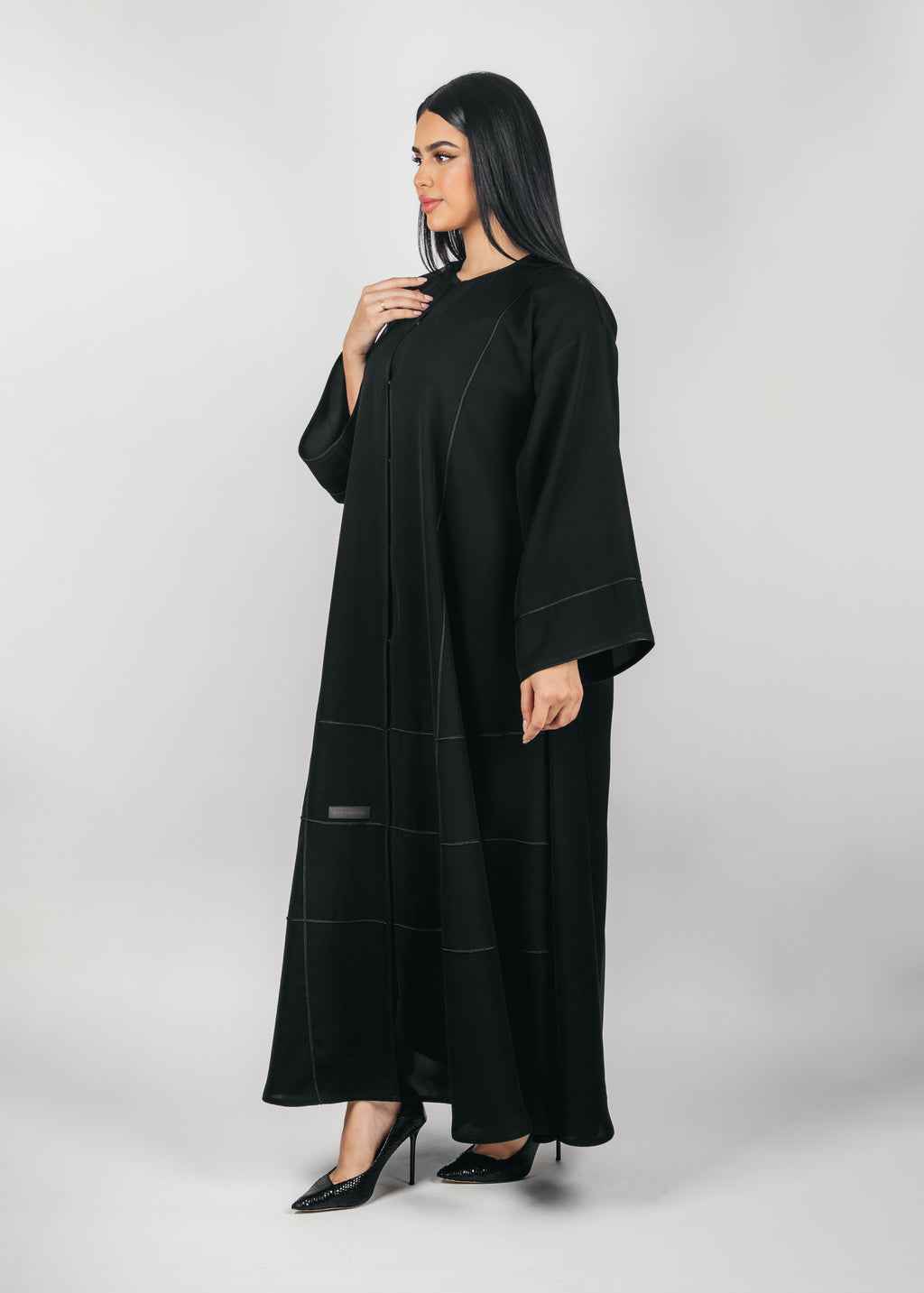 BLACK PLAIN DOUBLE CLOCHE CREPE ABAYA.