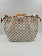 Load image into Gallery viewer, Louis Vuitton Girolata Handbag