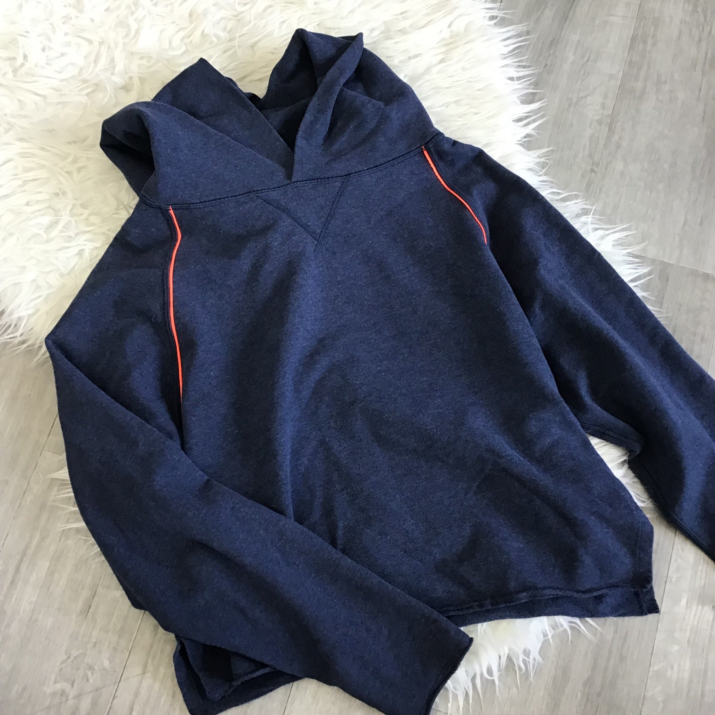 Lululemon - Medium