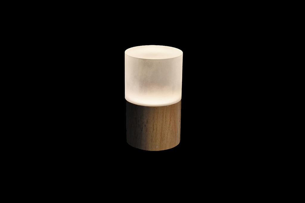 Picture of: Round Wood Cordless Table Lamps Rechargeable Battery Operated Lamp Insight Cordless Lighting
