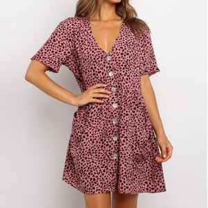 Short-sleeve leopard print dress with buttons