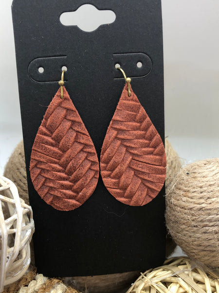Cinnamon or Rust Brown Fishtail Leather